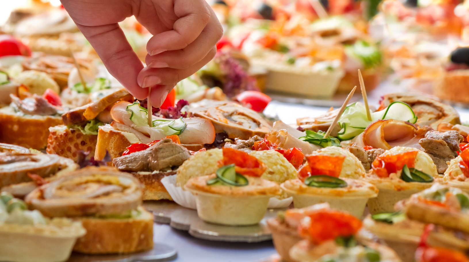 how to order appetizers for a wedding per person